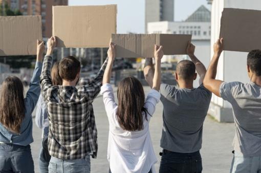 Rusijoje tęsiasi protestai prieš populiaraus gubernatoriaus suėmimą