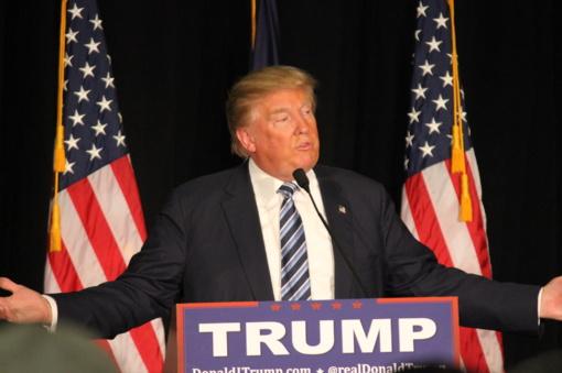 JAV užregistravus naują pandemijos rekordą, D. Trumpas pagaliau užsidėjo kaukę