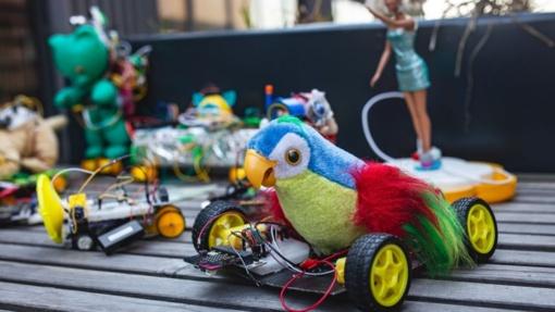 Žaislai žudikai: guminiai ančiukai ir populiarieji slaimai gali kelti mirtiną pavojų