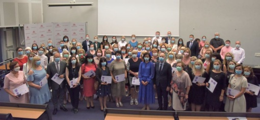 Šešios Varėnos sveikatos įstaigų darbuotojos apdovanotos už reikšmingą indėlį žmonių sveikatai