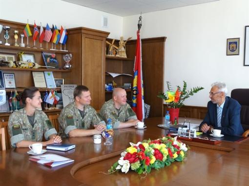 Pasirašyta bendradarbiavimo sutartis su Lietuvos kariuomenės Krašto apsaugos savanorių pajėgų Žemaičių apygardos rinktine