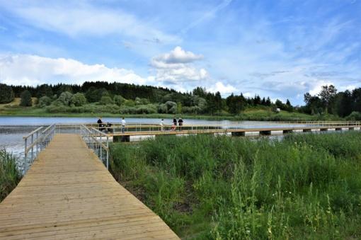 Takas ant pontonų Vyžuonaičio ežere bus pritaikytas ir neįgaliesiems