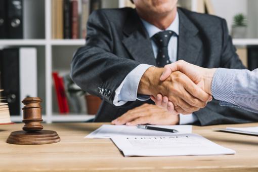 Profesionalūs advokatai patikimai pagalbai