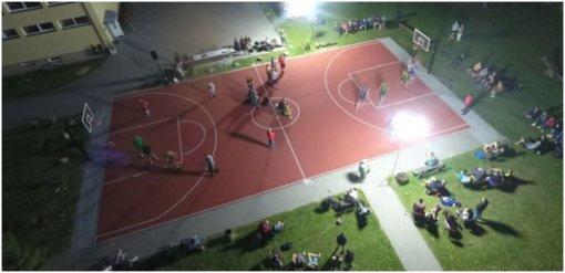 Ažytėnuose vyko tradicinis naktinis krepšinio turnyras