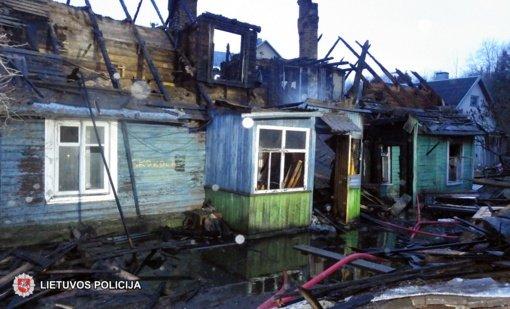 Bus teisiamas dviejų moterų gyvybę nusinešusio gaisro sukelimu kaltinamas vyras