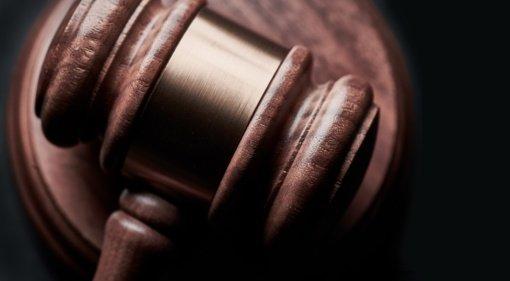 Vilniaus apygardos teismas nagrinės teisėjo E. Laužiko ieškinį dėl atleidimo