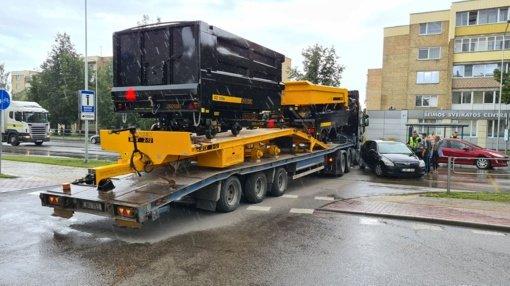 Lengvojo ir krovininio automobilių susidūrimas Šiauliuose: vairuotoją ištiko šokas
