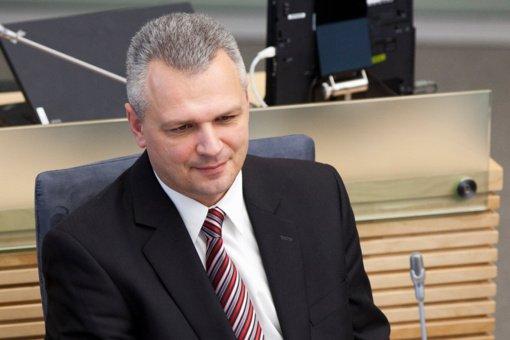 Darbo partiją į Seimo rinkimus ves V. Jukna, V. Uspaskichas – nekandidatuos