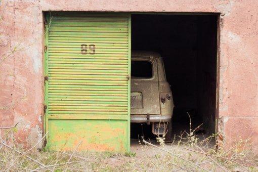 Vilkaviškyje bus pašalinami neteisėtai pastatyti garažai