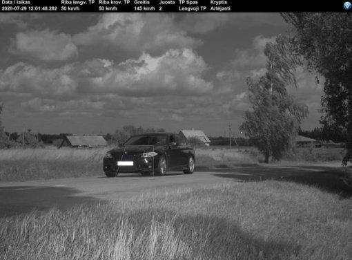 Kaišiadorių rajone užfiksuotas nežmonišku greičiu lėkęs BMW