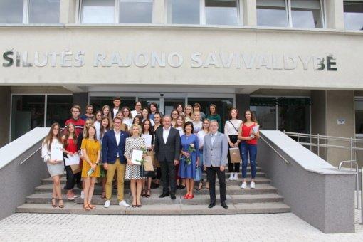 Apdovanoti 29 savanoriškoje veikloje dalyvavę jaunimo atstovai