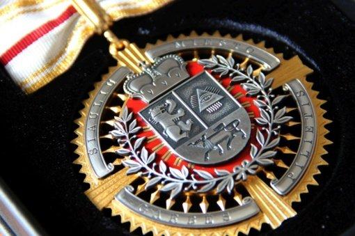 Kviečiame teikti atsiliepimus apie pateiktas kandidatūras Šiaulių miesto garbės piliečio vardui suteikti