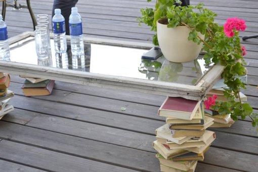 Ant bibliotekos stogo nusileido Poezijos paukštė