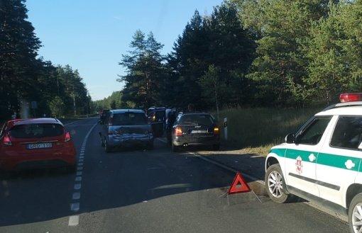 Varėnos rajone susidūrė trys automobiliai