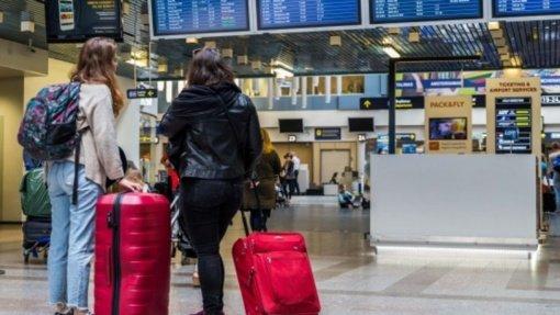 Atsiskaitymų už neįvykusias keliones negalintys susigrąžinti vartotojai – aklavietėje: kelionių organizatoriams Vyriausybės pinigai neprieinami