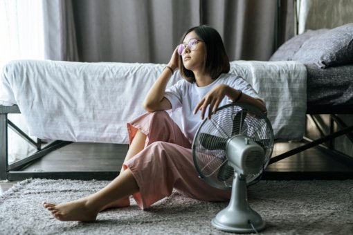 Kaip atvėsinti namus, jei neturite oro kondicionieriaus?