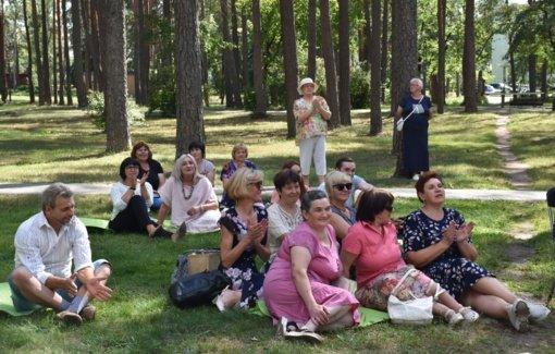 """""""Poezijos pavasario"""" skaitymai Varėnos miesto legendų ir padavimų parke"""