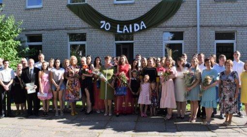 Gelvonų gimnazija į gyvenimą išleido 70 abiturientų laidą