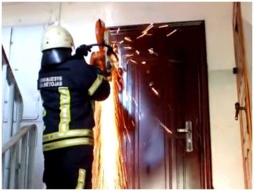 Per gaisrą bendrabutyje nukentėjo vaikas