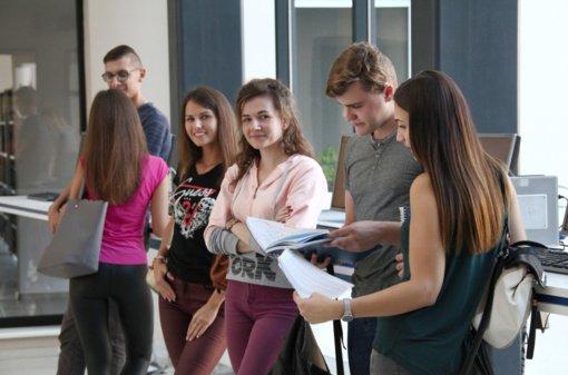 Studijų perspektyvos šių metų stojantiesiems: stipendijos pedagogikos, informatikos, matematikos ir inžinerijos pirmakursiams