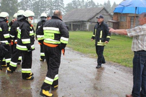 Teismas atmetė prašymą prokurorui grąžinti Alytaus priešgaisrinės tarnybos pareigūnų bylą