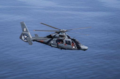 Kariuomenės sraigtasparnis ieško Kuršių mariose dingusio žmogaus