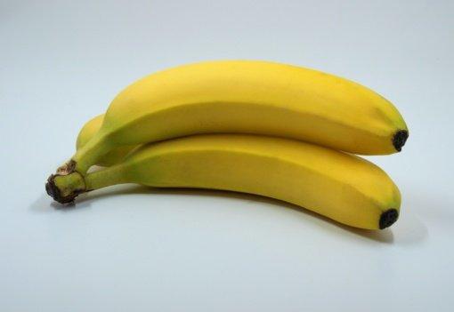 Neišmeskite bananų žievės: ji gali bet kurią gėlę priversti žydėti
