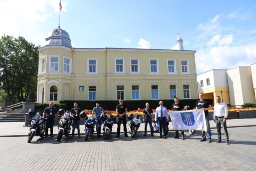 """Išlydėtos Druskininkus """"Ryterna modul Mototourism rally"""" atstovausiančios komandos"""