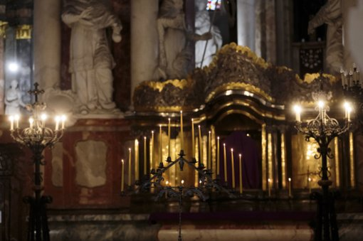 Vyskupai papildomų reikalavimų dėvėti kaukes ar laikytis atstumo bažnyčiose neįveda