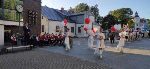 Baltijos kelio dieną – solidarumą simbolizuojantys balionai