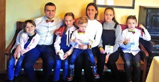 Penkių vaikų mama griauna stereotipus apie daugiavaikes šeimas
