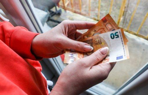 Panevėžio taksi įmonių vadovas ir buhalterės kaltinami išvengę 229 tūkst. eurų mokesčių