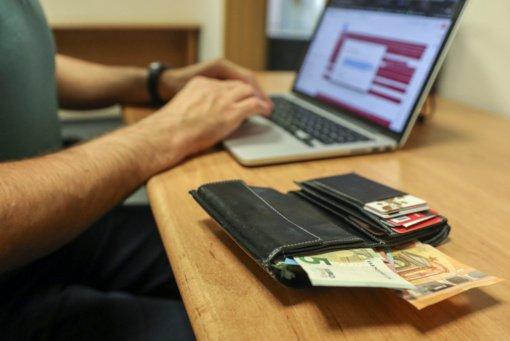 Telšiuose iš moters banko sąskaitos pavogta beveik 4000 eurų
