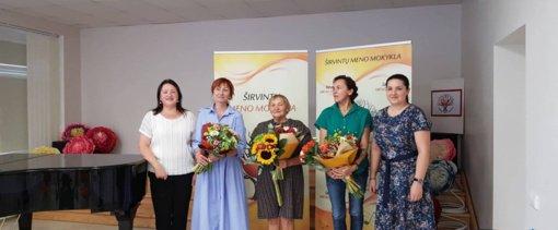 Nuoširdi padėka į pensiją išeinančiai ilgametei dailės mokytojai Stasei Rulevičienei