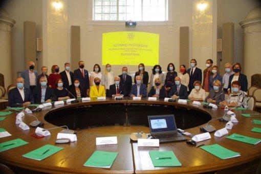 27 šalies organizacijos ir įstaigos bendradarbiaus plėtojant STEAM centrus
