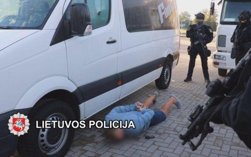 Tarptautinės teisėsaugos pajėgos išaiškino ir sulaikė 18 nusikalstamo susivienijimo narių (vaizdo įrašas)