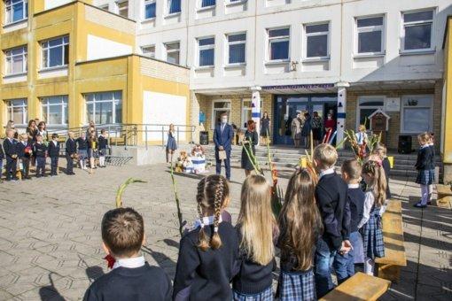 Rugsėjo 1-osios proga pasveikintos Panevėžio miesto mokyklos