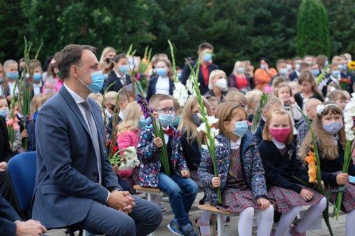 Rugsėjo 1-oji į mokyklas sukvietė beveik 7 tūkstančius Alytaus miesto mokinių