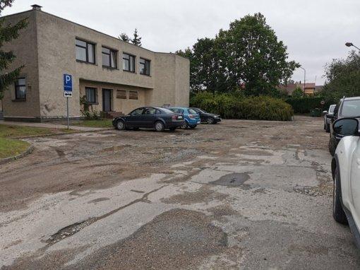 Jurbarke bus pradėti automobilių aikštelės remonto darbai Dariaus ir Girėno gatvėje