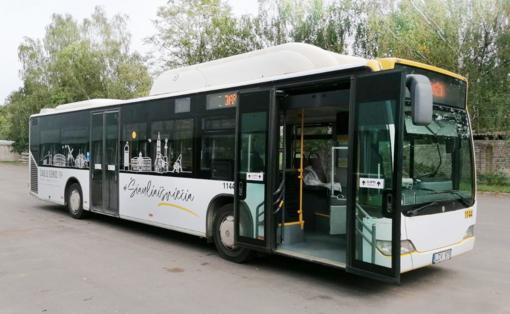 """""""Šiaulių dienų"""" atributika papuošti autobusai veš nemokamai"""
