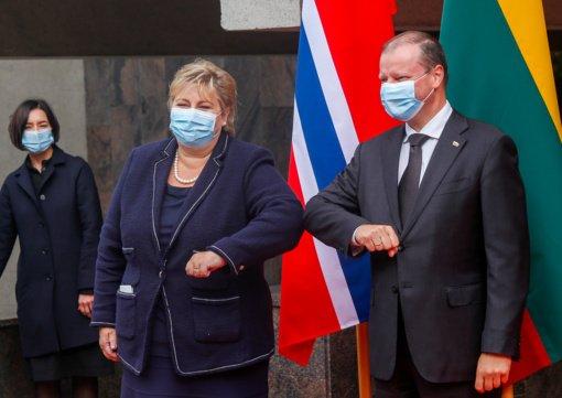 Norvegijos premjerė Lietuvoje: Baltarusijos žmonų reikia klausyti; sankcijas turime įvesti