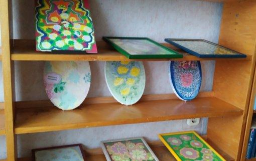 Dailės darbų paroda Svirkų kaimo bibliotekoje