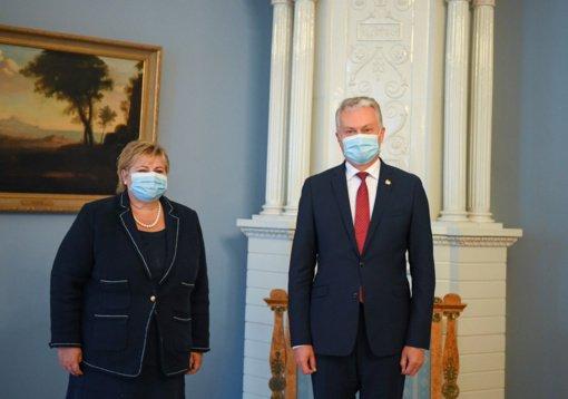 Prezidentas ir Norvegijos premjerė: NATO privalo koncentruoti dėmesį į kolektyvinę gynybą