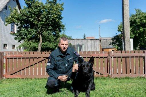"""Panevėžio policijos kinologas A. Petraitis: """"Šuns negalima sužmoginti"""""""