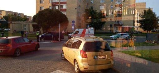 Panevėžyje susidūrė automobilis ir pėsčiasis: vaikas paguldytas į ligoninę