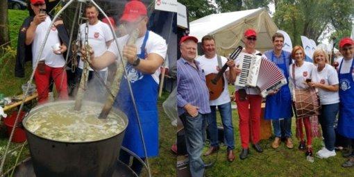 """""""Šilalės gaspadoriai"""" dalyvavo žuvienės virimo čempionate Rusnėje"""