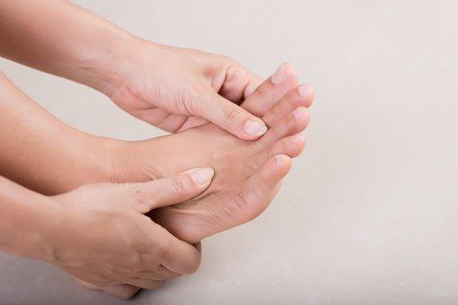 Kojų tinimas gali perspėti apie rimtas ligas