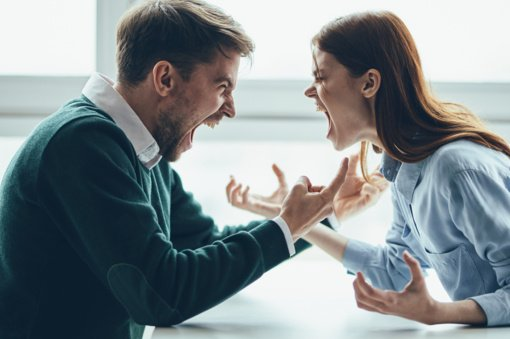 4 Zodiako ženklai, kurie dėl kilusių nesutarimų kaltina savo partnerį