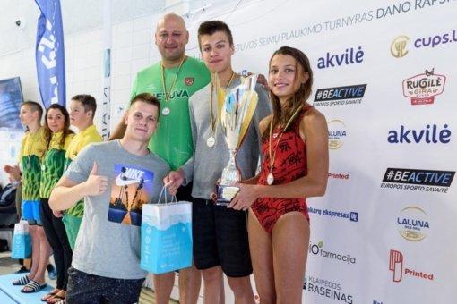 D. Rapšio taurės plaukimo varžybose – panevėžiečio olimpiečio D. Grigalionio šeimos triumfas