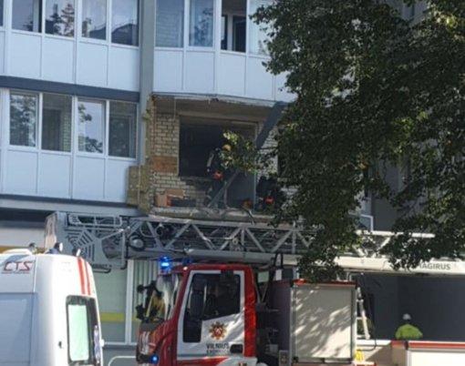 Sprogimas bute sostinėje: į orą išlėkė visas balkonas